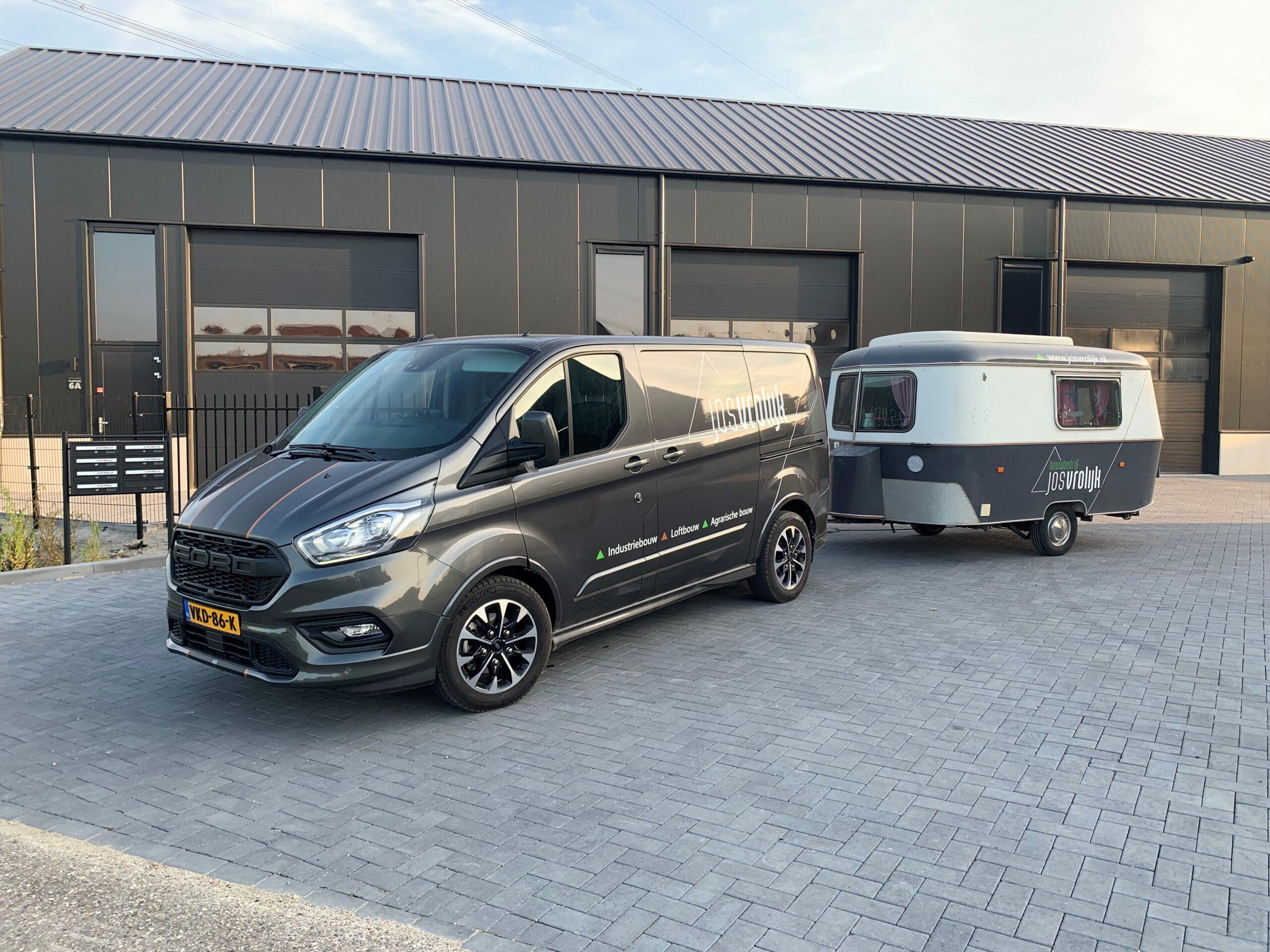 Ford Custom caravan